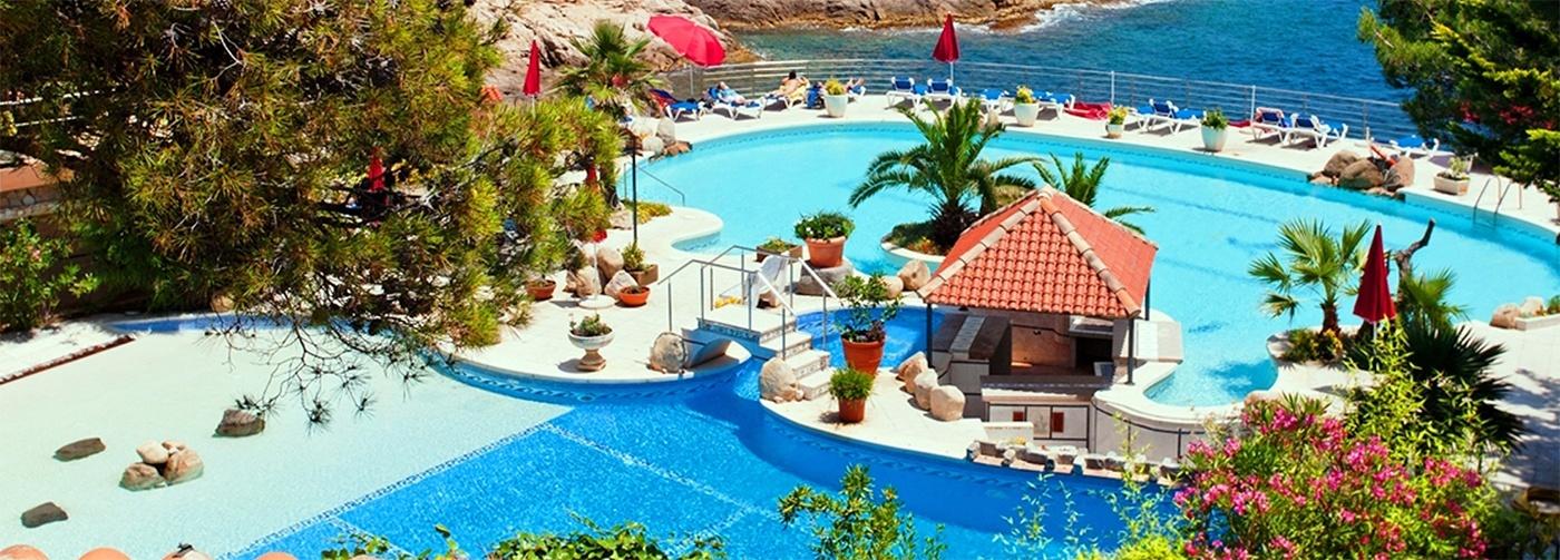 Pool am Ayurveda Resort Port Salvi